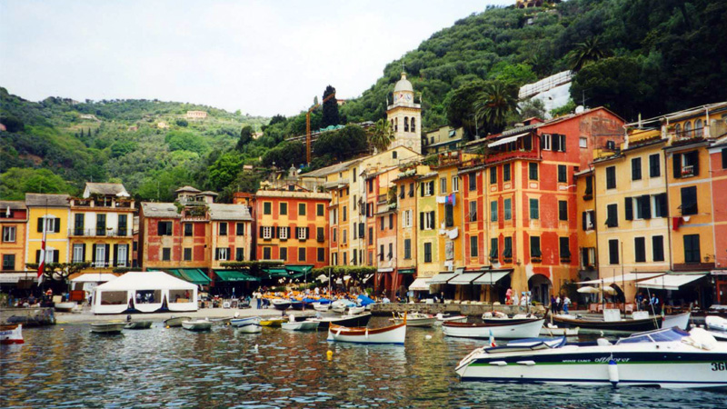 Portofino_harbor_right